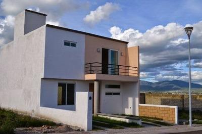 Se Vende Hermosa Casa En San Isidro, Juriquilla. Nuevo Juriq