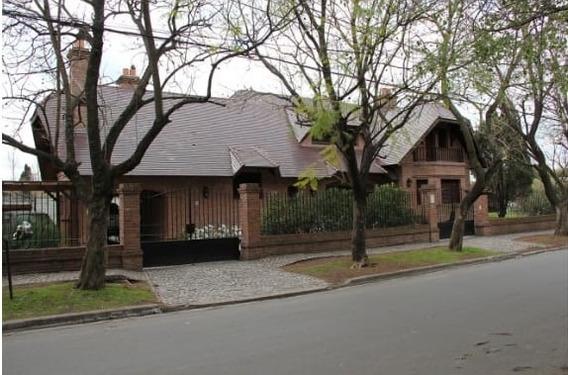 Casa Tipo Mansion En Pilar Centro Imperdible!