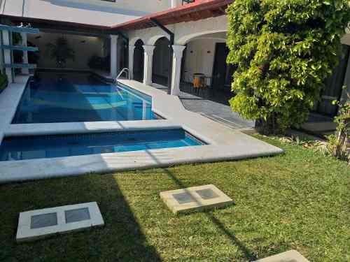 Excelente Casa Sola Con Alberca Y Jacuzzi En Vista Hermosa