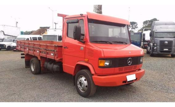 Mercedes Benz 710 Ano 2000 Vermelho