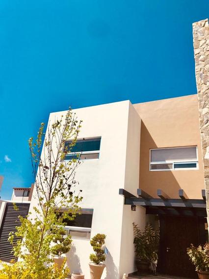 Casa Grande En La Vista Residencial Qro