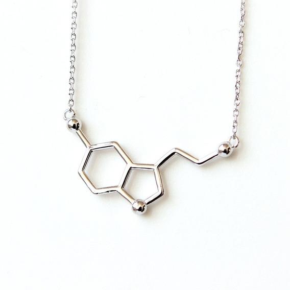 Colar Bioquimica Biomedicina Molecula Serotonina