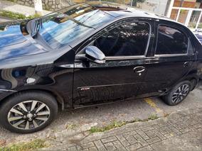 Toyota Etios Sedán Platinum