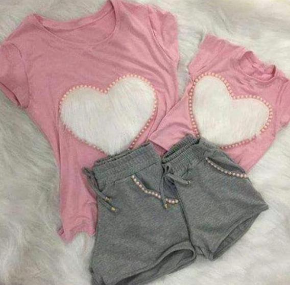 Conjunto Tal Mãe Tal Filha Shorts Moletinho Camiseta Coração