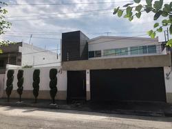 Casa En San Pedro, A 3 Cuadras Del Centro, Acabados De Lujo