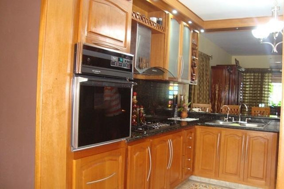 Casa En Venta La Granja 19-1663 Telf: 04120580381