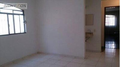 Sobrado Mega Espaçoso Com 4 Dormitórios, Sendo 3 Suítes, 2 Vagas Na Garagem, 240m² - Tatuapé - So0827