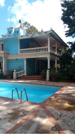 Mansion En Venta En Pinar Dorado En Jarabacoa, Rd