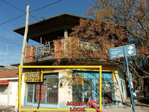 Local En Esquina Comercial, Barrio Populoso