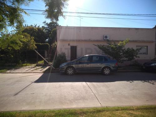 Venta Casa En San Antonio De Areco Con Amplio Terreno - Excelente Ubicacion