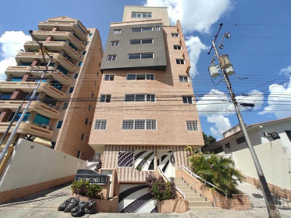 Meglis Fonseca Vende Apartamento Maracay La Soledad 21-508