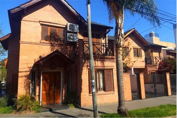 Duplex 3 Habitaciones. Cochera. Patio Con Parrilla