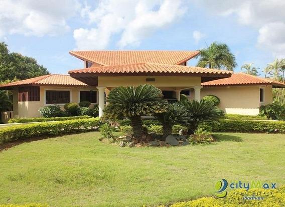 Vende Villa Amueblada En Casa De Campo