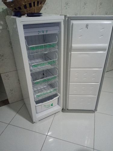 Imagem 1 de 5 de Freezer Cônsul