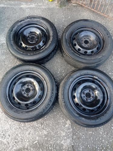 Imagem 1 de 3 de Rodas De Ferro Aro 15 (4 Furos )rodas Do Stilo