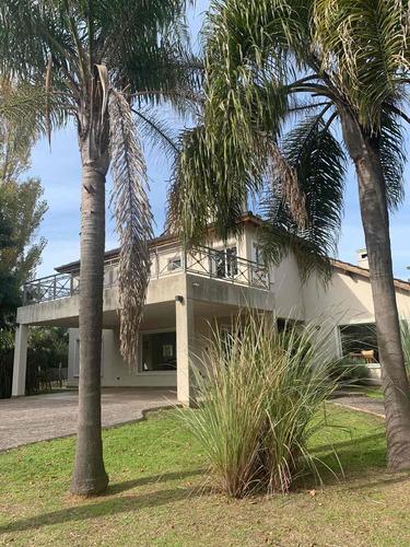 Casa En Santa Ana 6 Ambientes Alquiler Anual