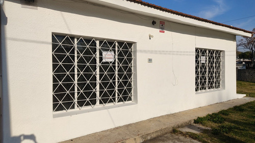 Venta Casa Esquina 500m, 3 Dorm, 3 Cocheras Barrio Lavalleja