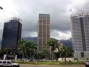 Oficina En Plaza Venezuela Mls #20-674