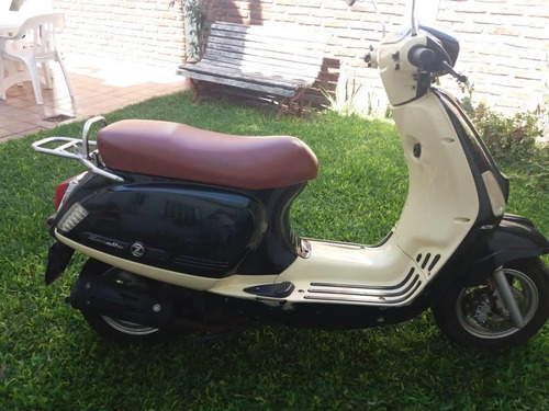 Zanella Styler Exclusive 125 Scooter