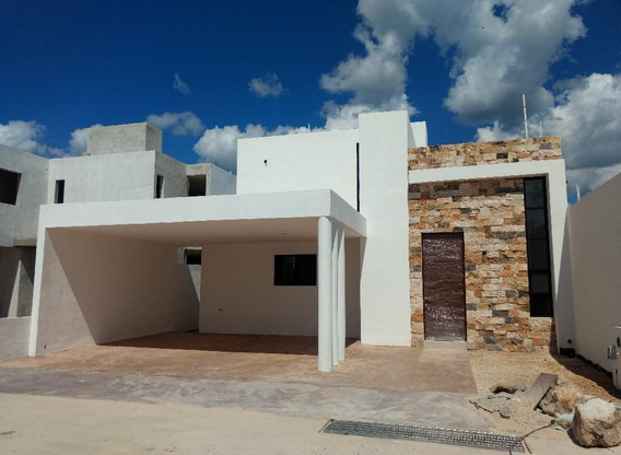 Casa Con Alberca En Venta,privada Botanico,conkal,mérida,yuc