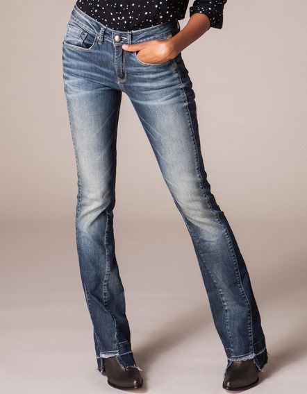 Calça Jeans Feminina Flare Barra Desfeita