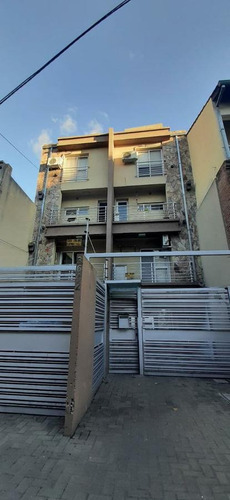 Departamento/ph En Duplex 3 Ambientes, Cochera. Impecable! - Florida