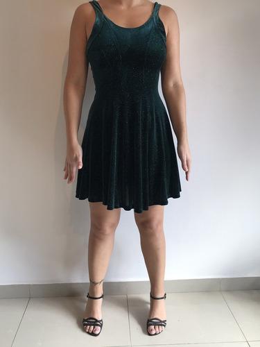 Vestido Corto Color Verde Oscuro Con Strass. T1