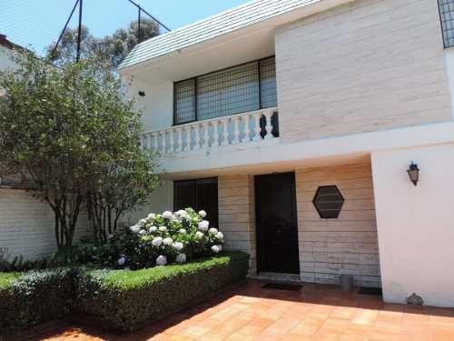 Casa Con Uso De Suelo En Venta En San Clemente. Calzada De Las Águilas.