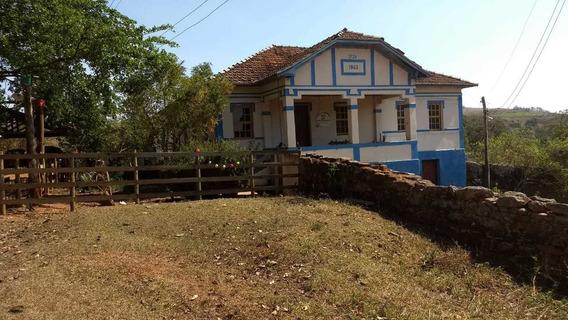 Fazenda Centenária No Sul De Minas ,com 35 Hectares, Em Aiuruoca , Casa Sede Com 19 Cômodos, Casa De Caseiro , Riacho Passa Na Propriedade. - 844