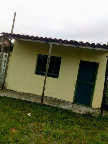 Casa De Quarto E Cozinha E Banheiro Lavanderia .