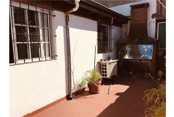 Ph En Venta 4 Ambientes C/patio Velez Sarsfield