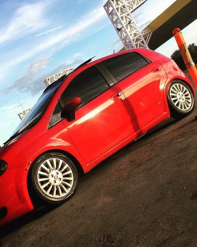 Imagem 1 de 7 de Fiat Punto 2011 1.6 16v Essence Flex 5p