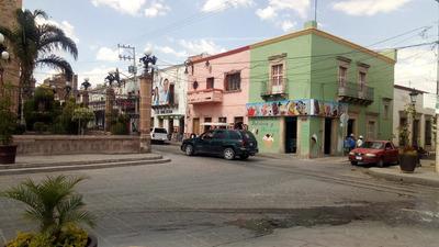 Traspaso Nevería Aclientada, Frente A Templo Y Plaza.