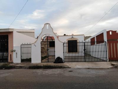 Casa En Renta En Merida, Montecarlo, Con Piscina Y Equipada