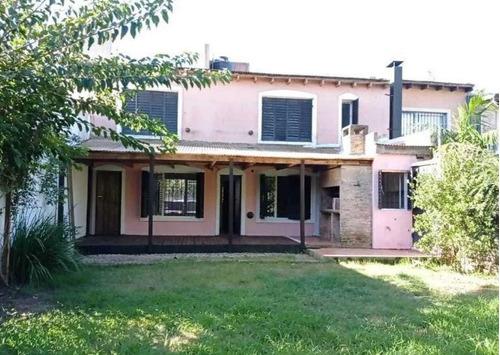 Casa Venta 3 Dormitorios 2 Baños 2 Cocheras 1 Patio Y Parrilla 300 Mts 2 Totales  - City Bell