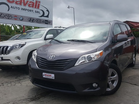 Toyota Sienna Le Gris 2011
