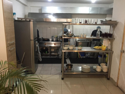 Se Traspasa Restaurante Con 2 Meses De Garantia