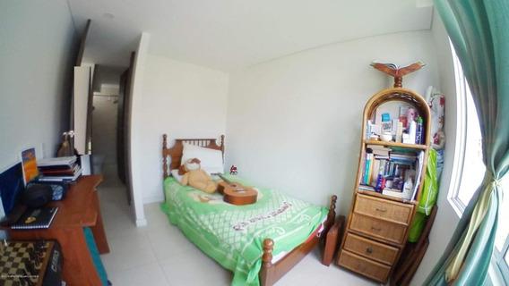 Apartamento En Julio Caro Fr 20-29