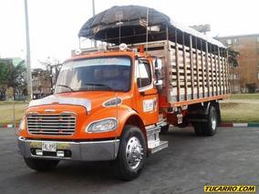 Estacas Freightliner M2 106