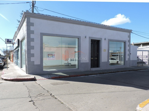 Local En Venta Y Alquiler En Centro De Maldonado - Excelente Ubicación Comercial- Ref: 21949