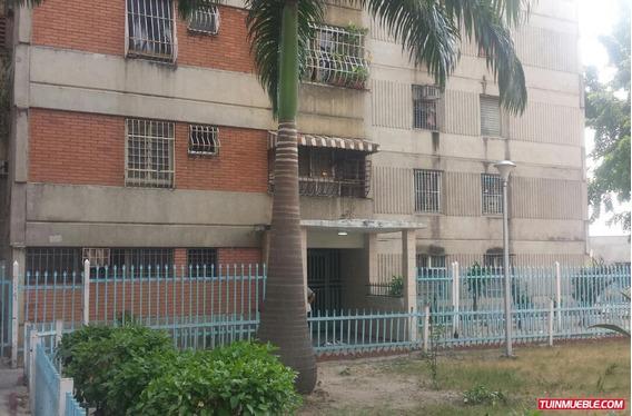 Apartamento En El Centro De Maracay, Resd. Independencia