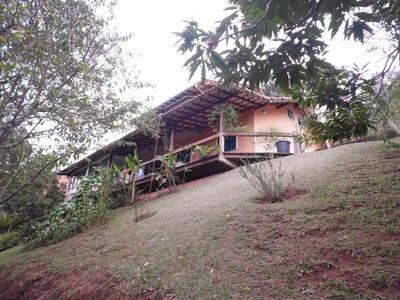 Excelente E Aconchegante Casa Com 300 M² De Área Construída! - A4825