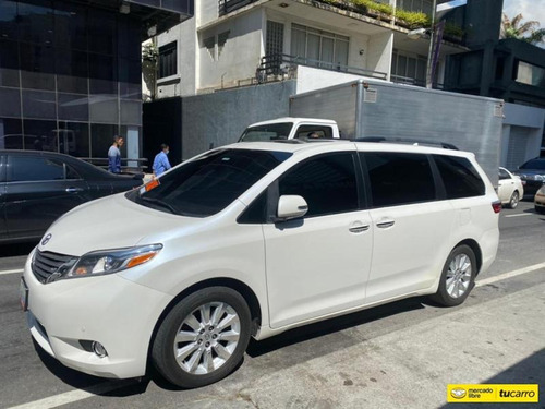 Toyota  Sienna Automática