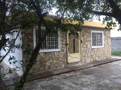 Casa En Venta En El Centro De Villa De Juárez, Nuevo León