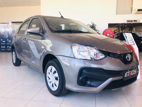 Toyota Etios X 4p Gris Plata Stock Stock Fisico