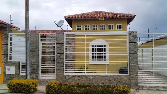 Casa Quinta Moderna Y Equipada Urb. Ciudad Jardín