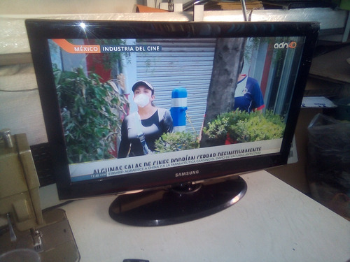 Imagen 1 de 4 de Pantalla Tv Samsung 22  Para Arreglar Prende Pero Se Apaga