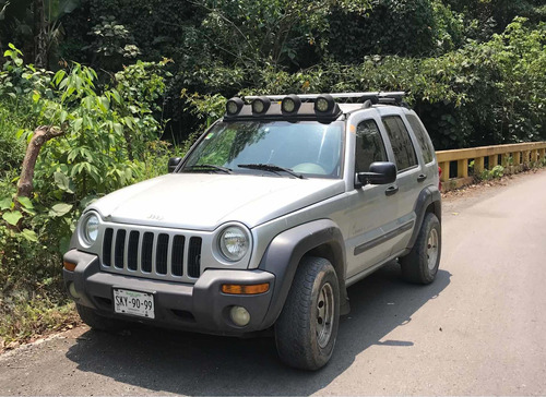 Jeep Liberty 3.7 Sport 4x4 Mt 2003