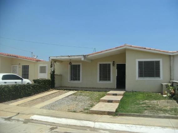 Casa En Venta La Ensenada 20-2202jrp 04166451779