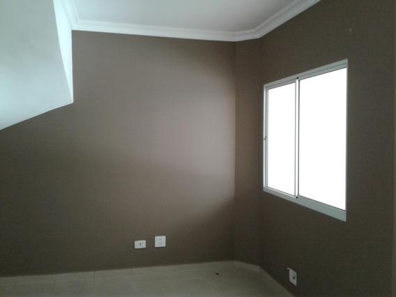 Casa De Condomínio C/ 3 Dorms E 2 Vagas De Garagem Ref. Fl23
